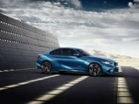 »Eyes on Gigi«. BMW predstavlja interaktivno kampanjo za nov BMW M2 Coupé.